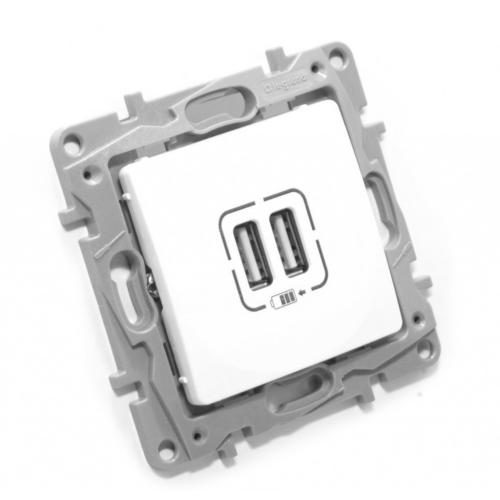 Niloé fehér 2xUSB informatikai csatlakozó Legrand 764594